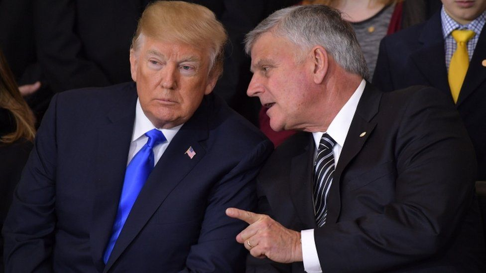 Donald Trump (L) Franklin Graham (R)