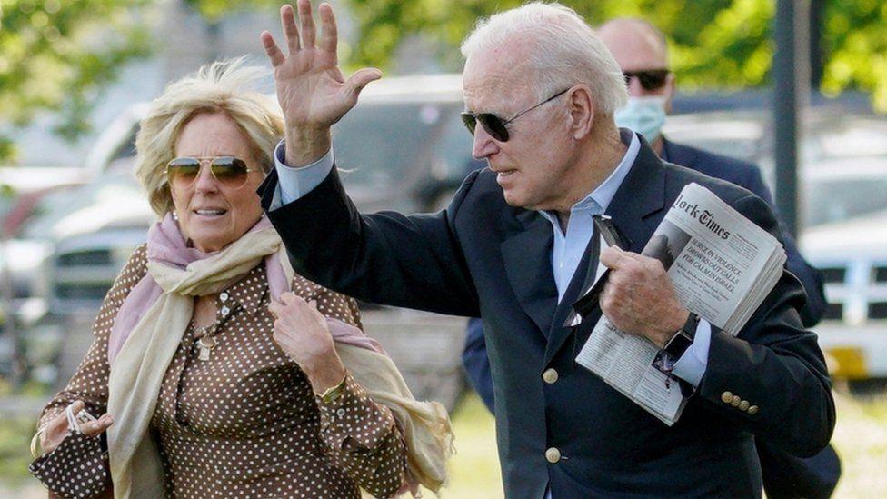 President Joe Biden and wife Jill en route to Wilmington, 15 May 2021