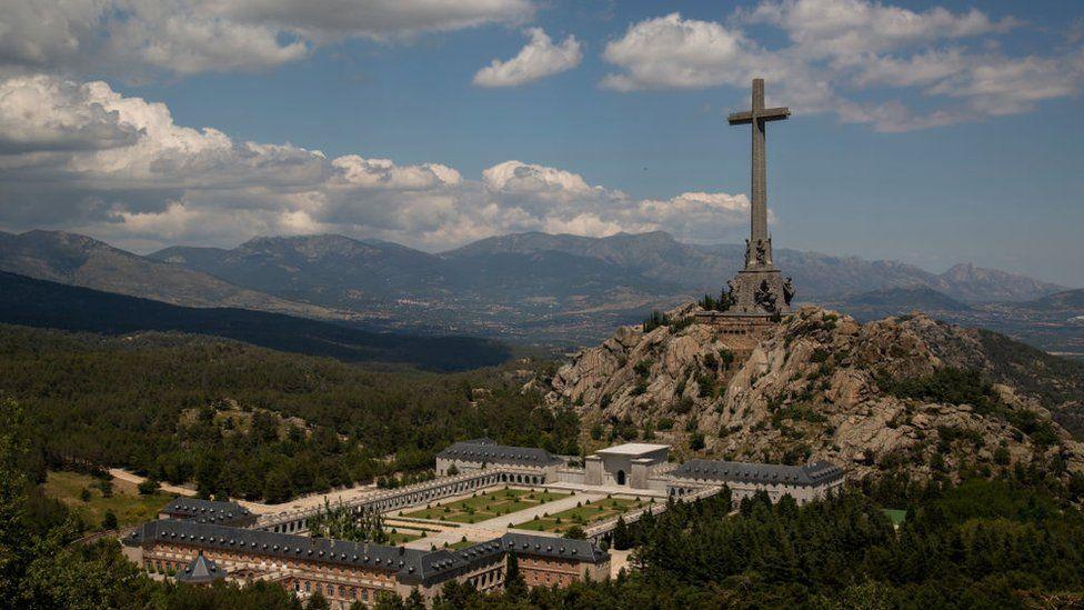 Restos de Franco: el Tribunal Supremo de España permite exhumar el cuerpo del Valle de los Caídos