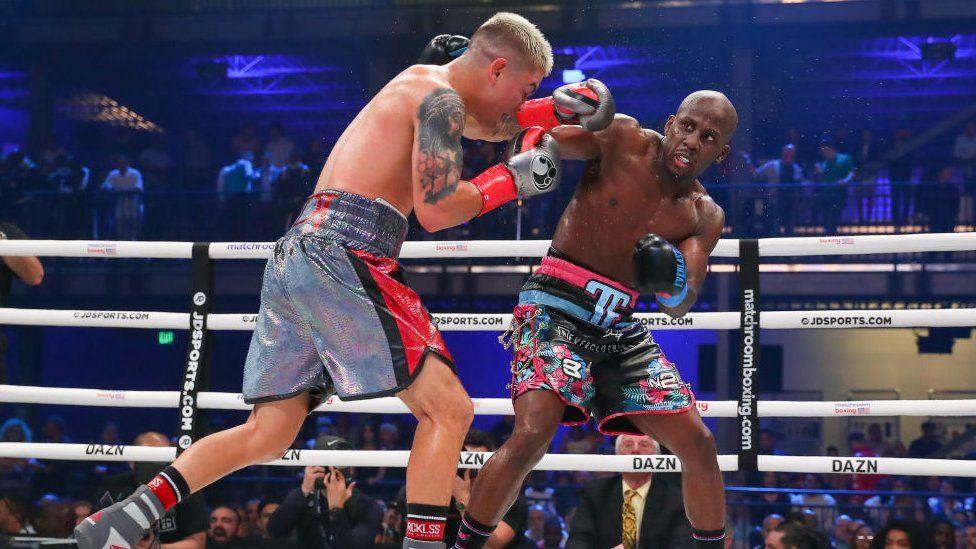 Jojo Diaz boxes against Tevin Farmer