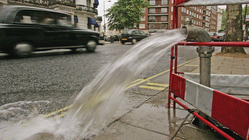 Thames Water boss Steve Robertson steps down