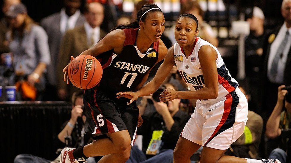 Candice Wiggins playing with Stanford University in 2008.