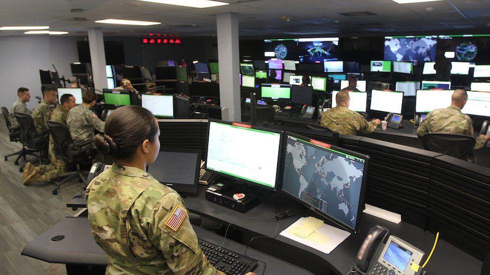 """Estados Unidos vs Irán: qué es el Cibercomando de EE.UU., la avanzada fuerza del Ejército que Trump """"utiliza contra Teherán y Moscú"""""""