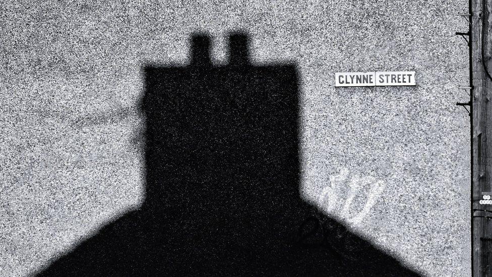 Tirlun Treganna // Canton chimney stack