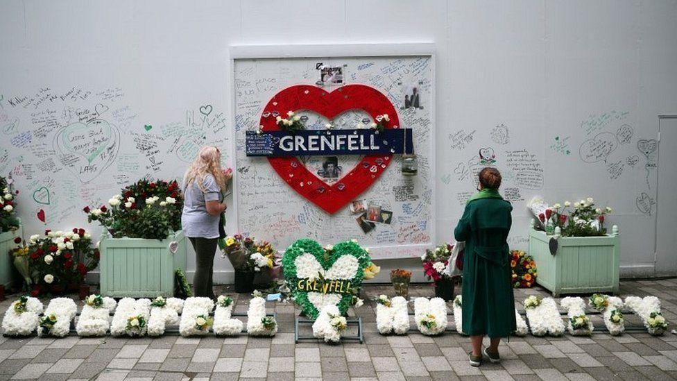 Tributes written on hoarding