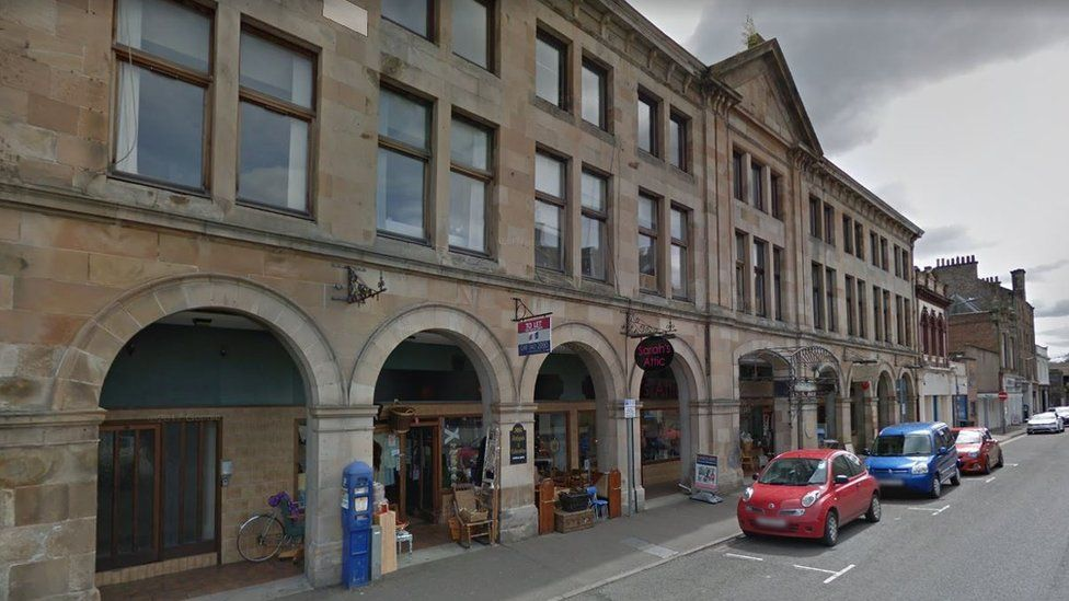 Fire at flats on Princes Street in Perth
