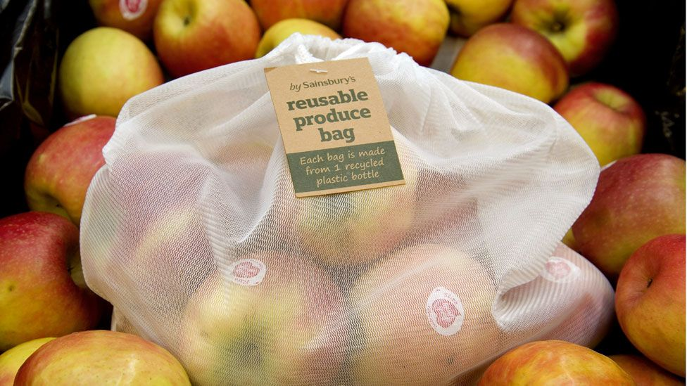 Apples in a reusable bag