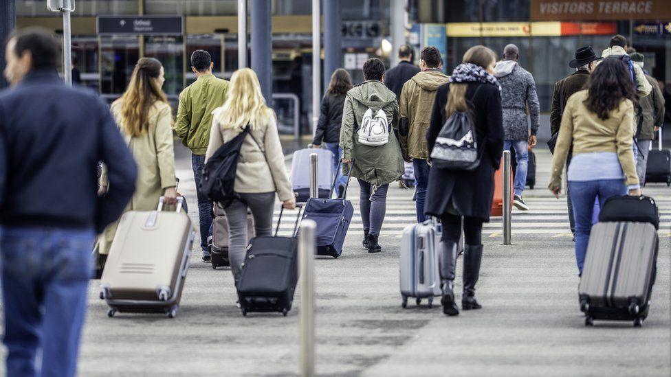 Brasil sobe em ranking de países que mais enviam imigrantes para países ricos