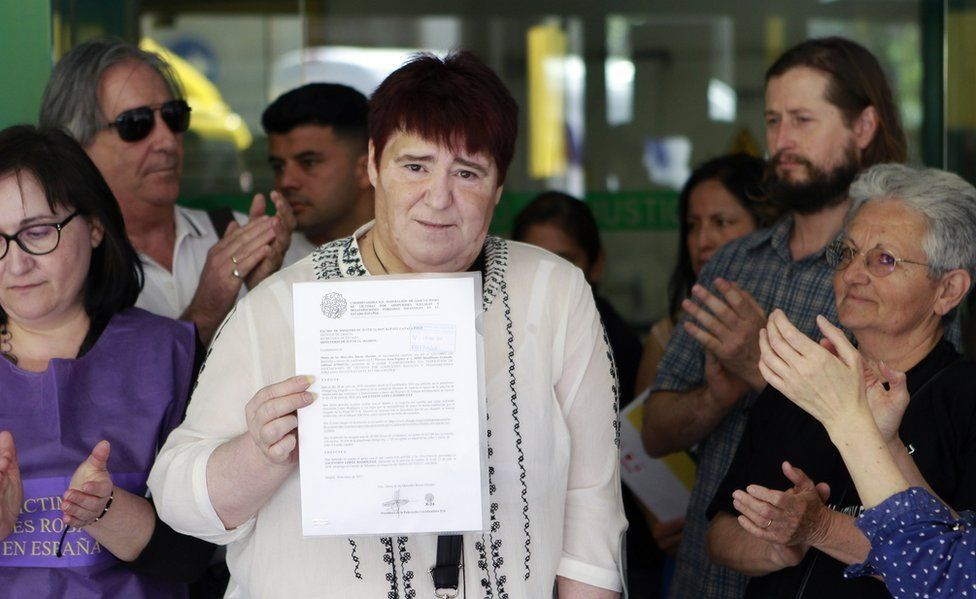 Escândalo dos bebês roubados na Espanha: a mulher que acabou condenada ao buscar mãe biológica
