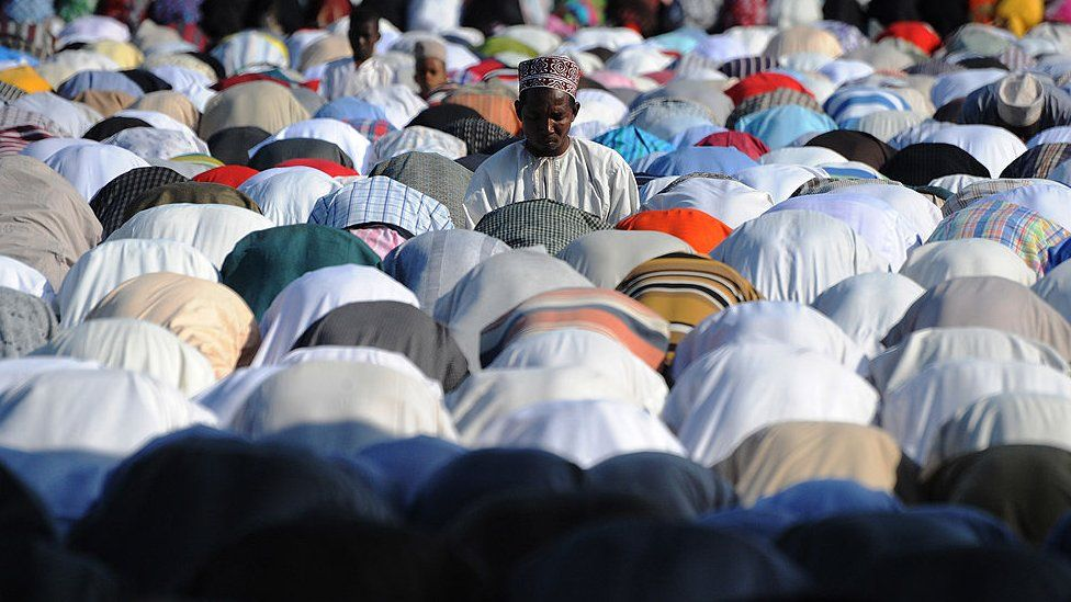 Tanzanian muslims at prayer