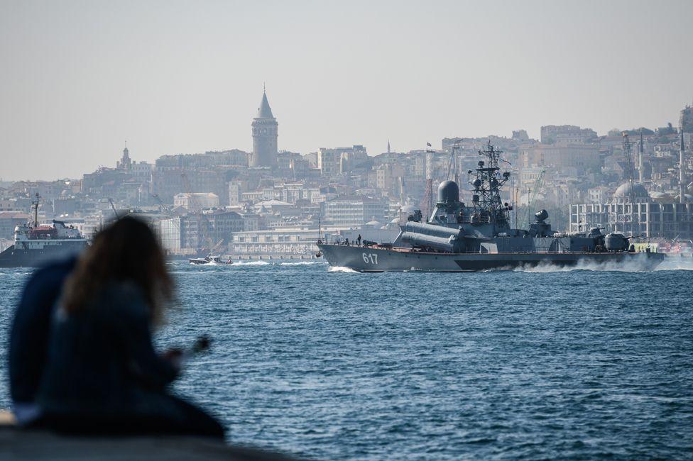 Russian corvette Mirazh passes through Istanbul en route for Syria
