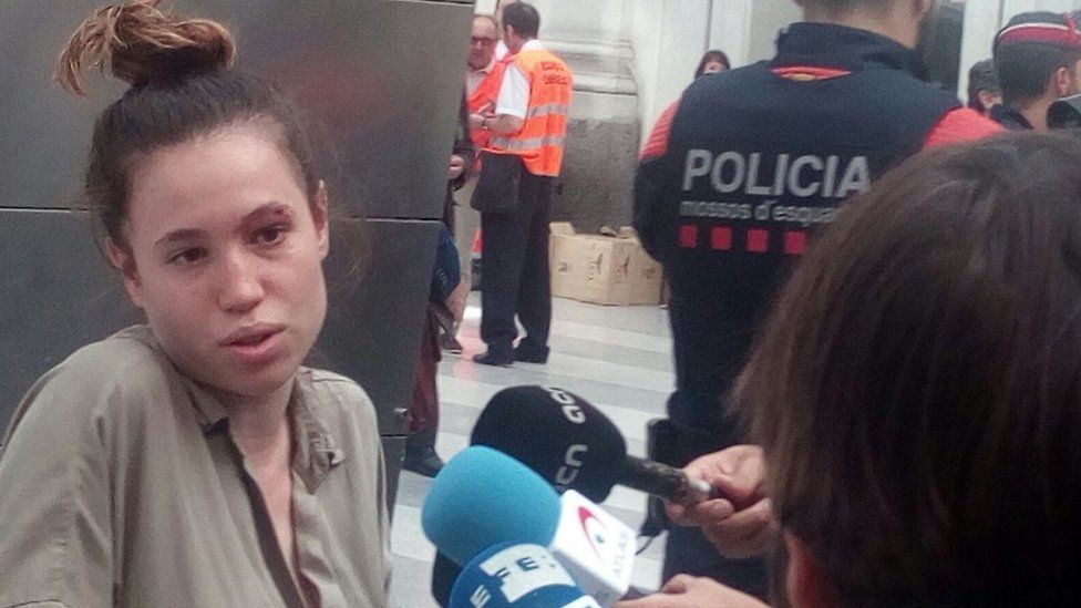 An injured train passenger is interviewed by the media (credit Chantal Valios)