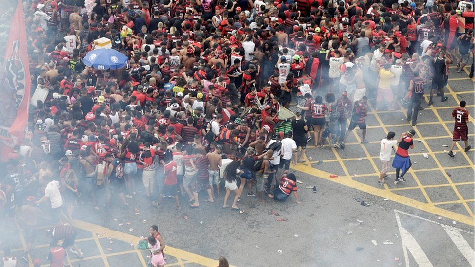 Tear gas is fired during the Flamengo victory Parade - Rio de Janeiro, Brazil - November 24, 2019