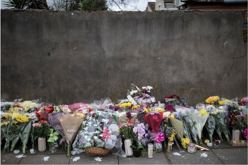 Flowers at the scene Tanesha Melbourne died