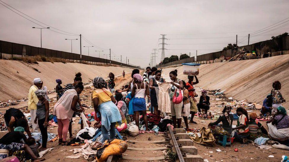 Angola poverty.jpg