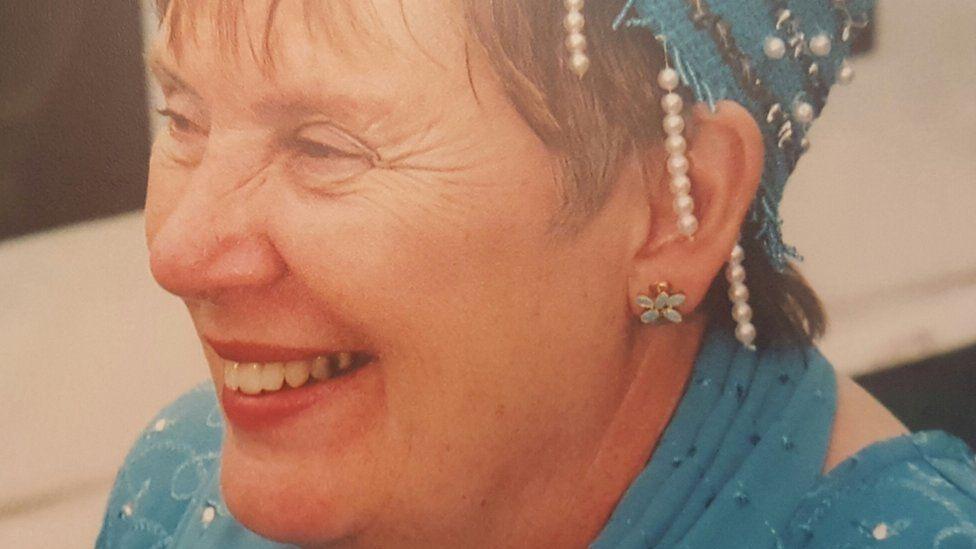 Iris Owens