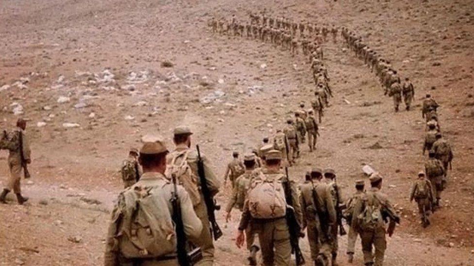 بهانه بغداد برای شروع جنگ استرداد سه منطقه کوچک بود که قرار بود طبق قرارداد ۱۹۷۵ موسوم به قرارداد الجزایر به عراق واگذار شود