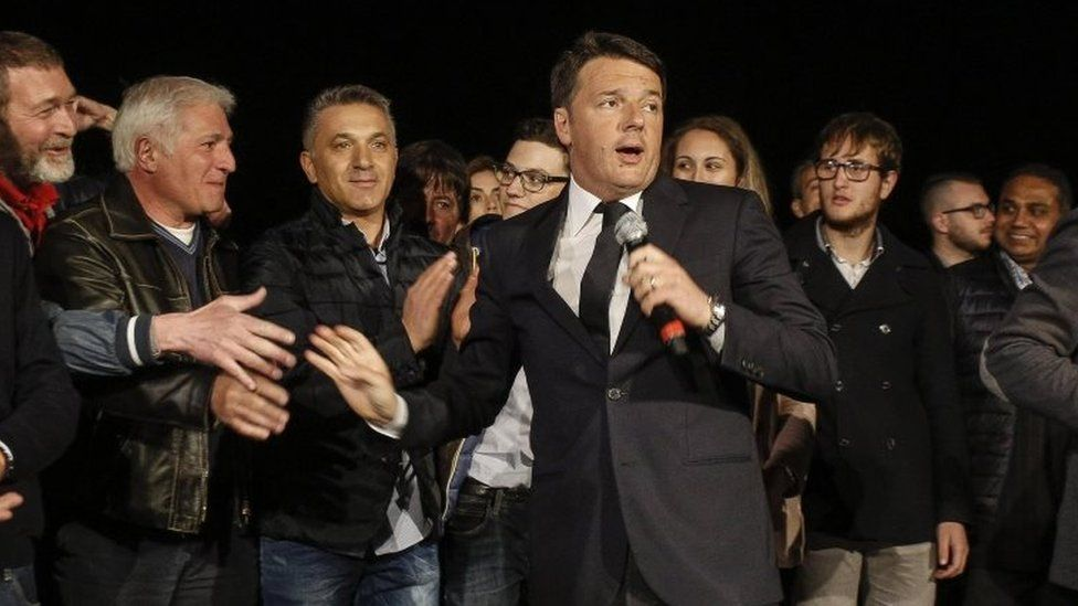 Matteo Renzi (centre) speaks to his supporters in Rome. Photo: 30 April 2017