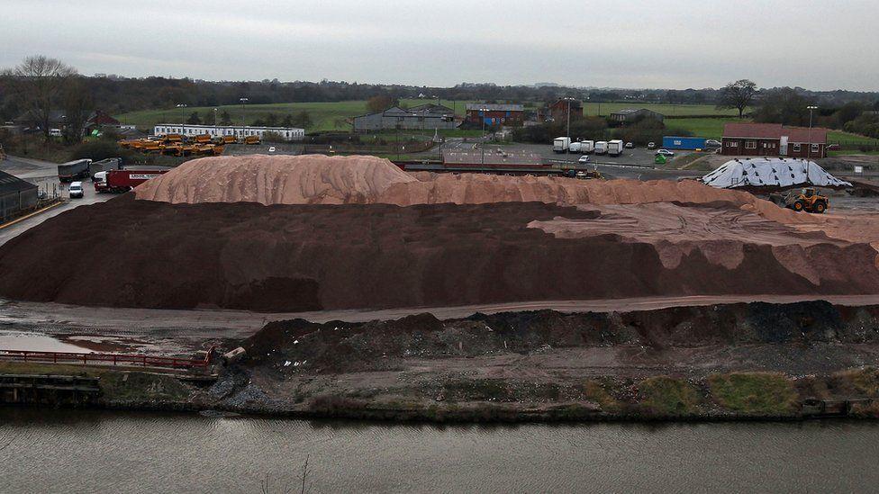 salt mine overground