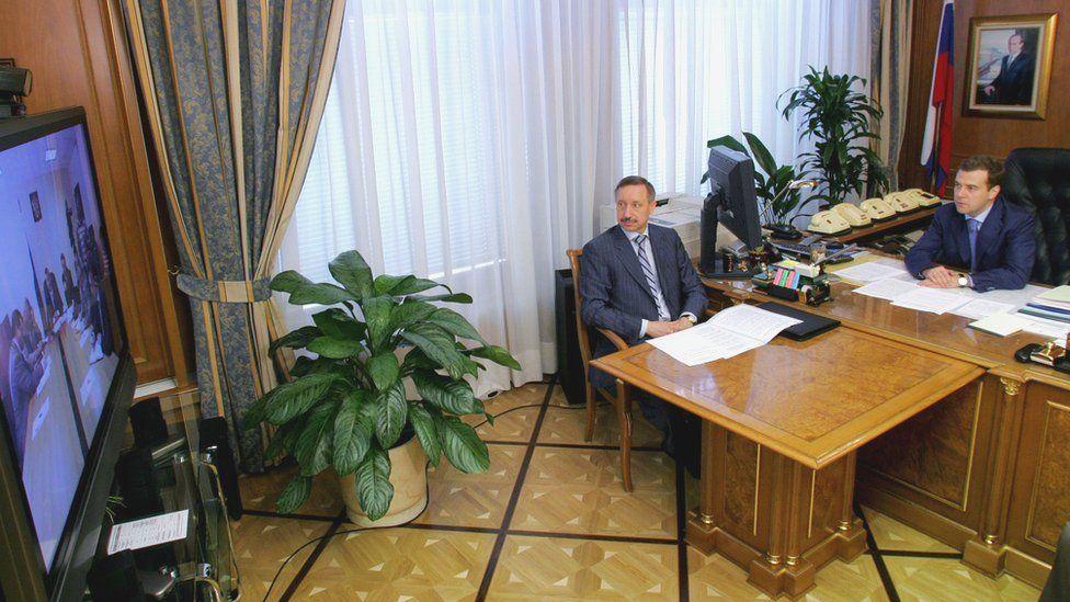 Беглов - руководитель контрольного управления президента, Дмитрий Медведев (справа) - первый вице-премьер. Июль 2007 г.