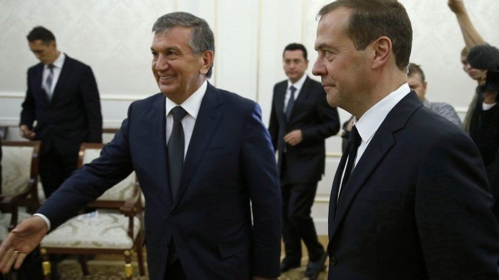 "Russian Prime Minister Dmitry Medvedev, right, and Uzbekistan""s Prime Minister Shavkat Mirziyayev meet in Samarkand, Uzbekistan, Saturday, Sept. 3, 2016"