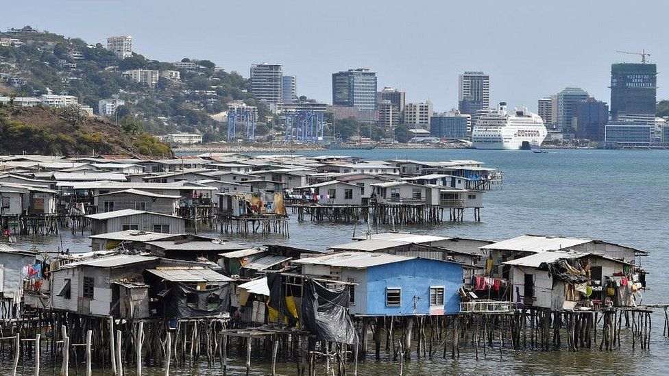 Makeshift huts in Port Moresby in 2018