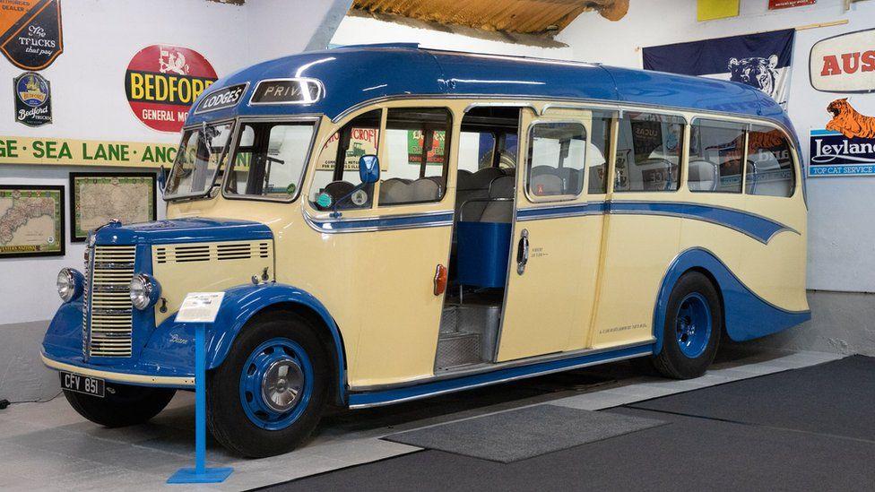 1949 Bedford Duple OB