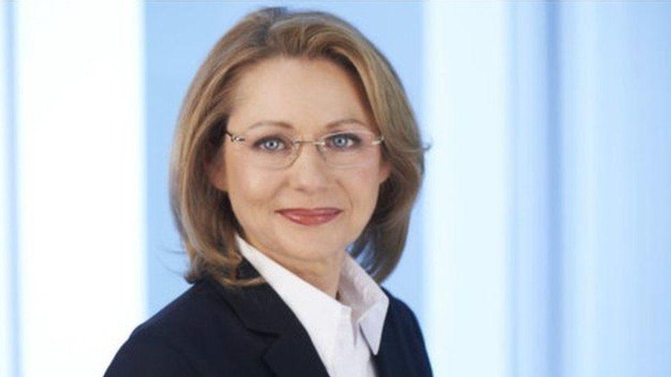 Cordelia Yzer, Berlin Senator for Economics and Technology