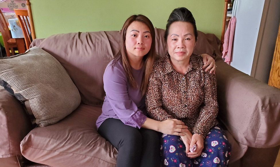 Youa Vang Lee with daughter Shoua