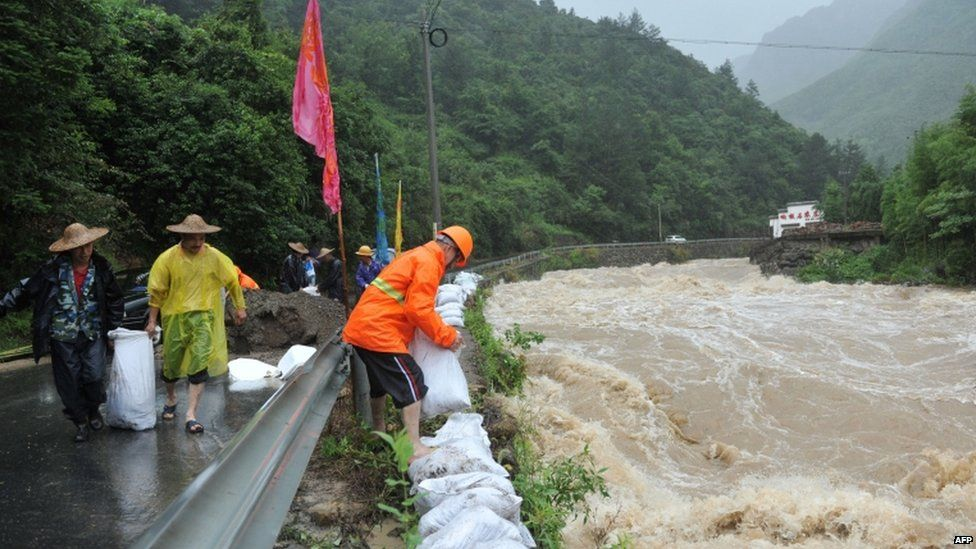 Dykes strengthened in Zhejiang, 11 July
