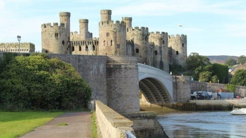 A photo of Conwy Castle
