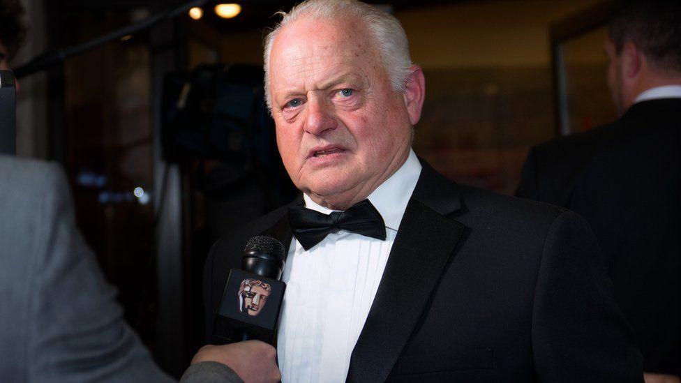 Yr actor Robert Pugh