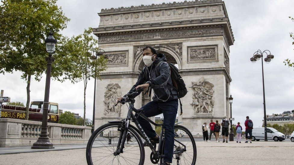 France Covid-19: Paris compulsory face-mask rule comes into force - BBC News