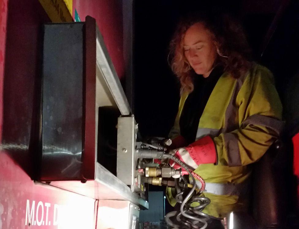 Jenny refuelling