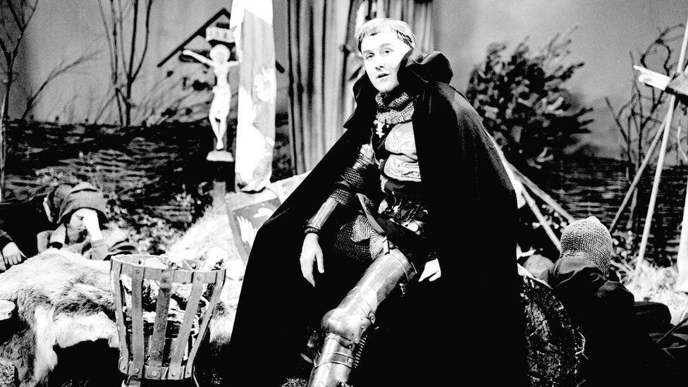 Robert Hardy as Henry V