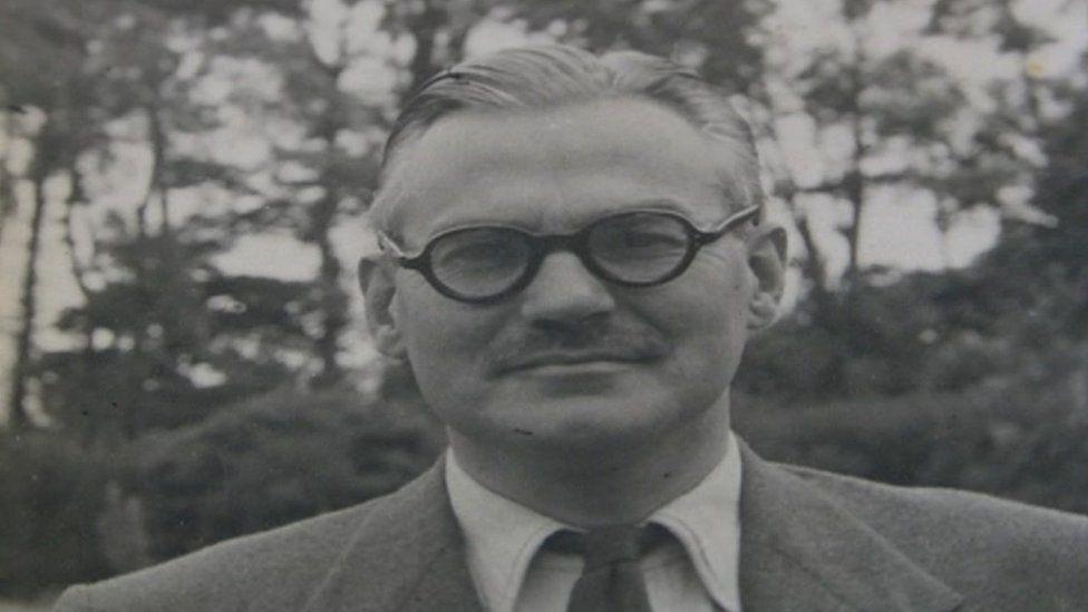 Dillwyn Malcolm Ewart Thomas