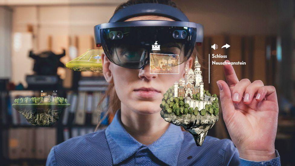 Microsoft Hololens VR glasses