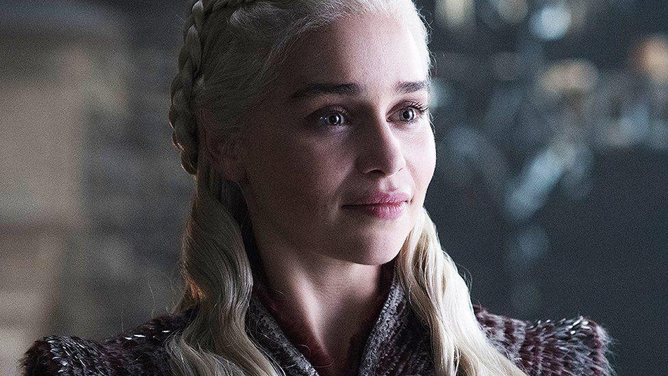 """Emilia Clarke: """"les scènes de nu dans Game of Thrones étaient difficiles"""""""