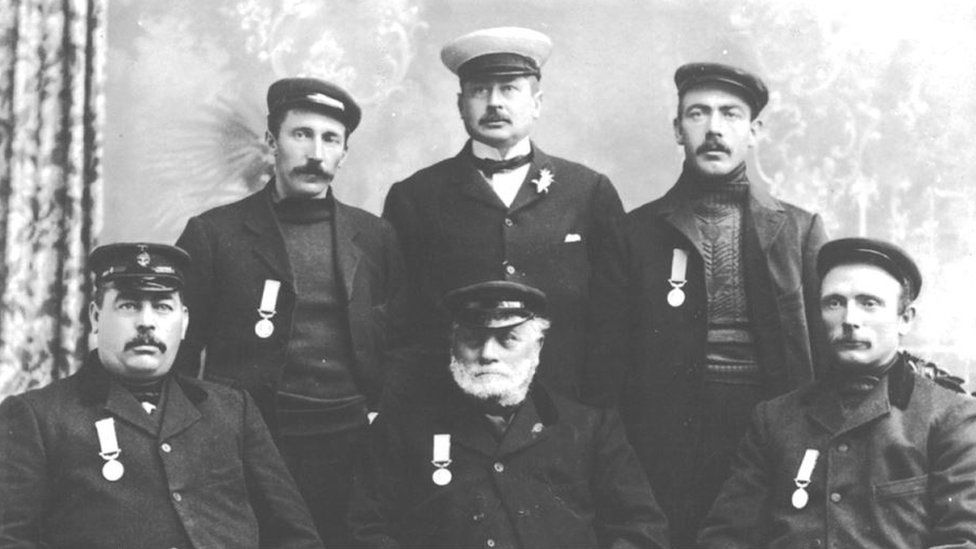 Caister lifeboat members 1906