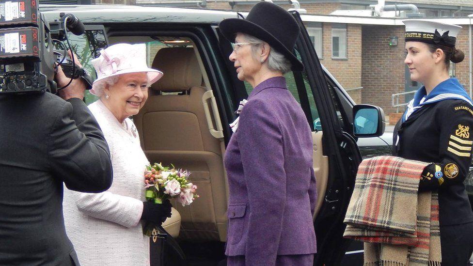Sophie Levy meets the Queen