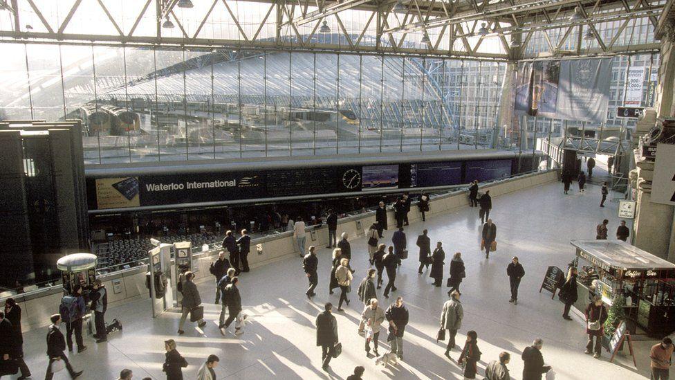 1999年,伦敦泰晤士河边的滑铁卢国际车站