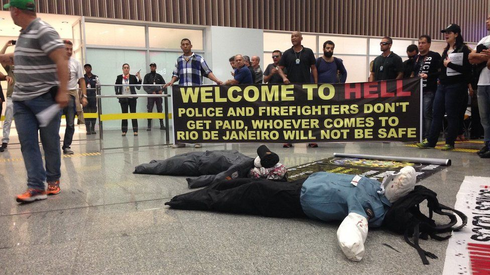 Police protest at Rio airport
