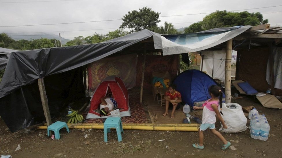 People in shelter in Pedernales a week after Ecuador's quake