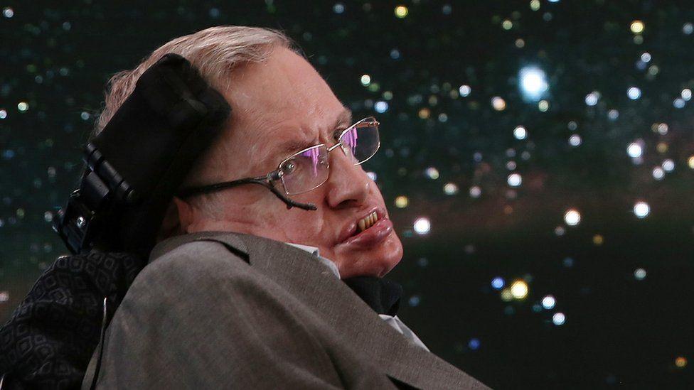 """El Dios """"innecesario"""": por qué Stephen Hawking no creía que el universo hubiera sido creado por un ser superior"""