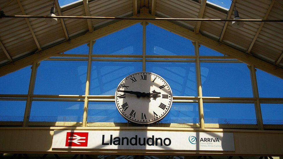 Llandudno rail station sign