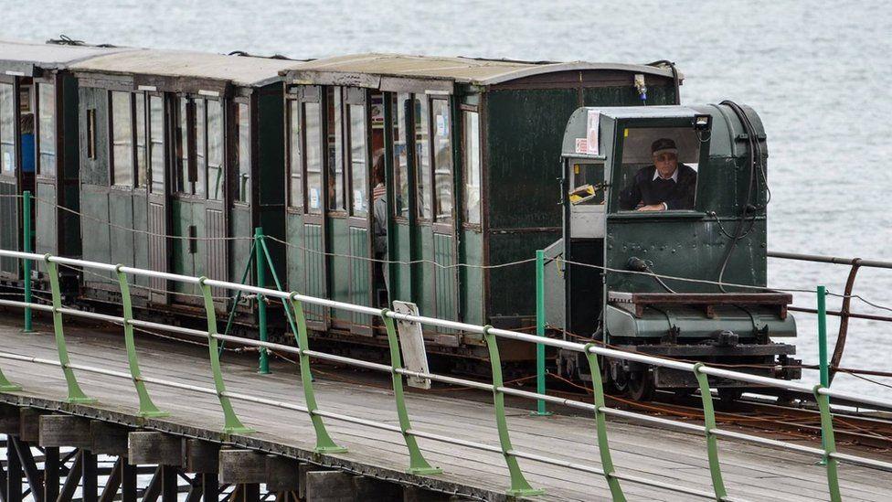 Hythe Pier train