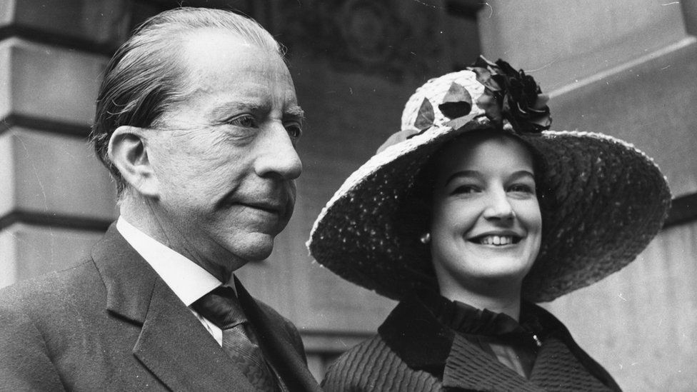 J Paul Getty and secretary Robina Lund