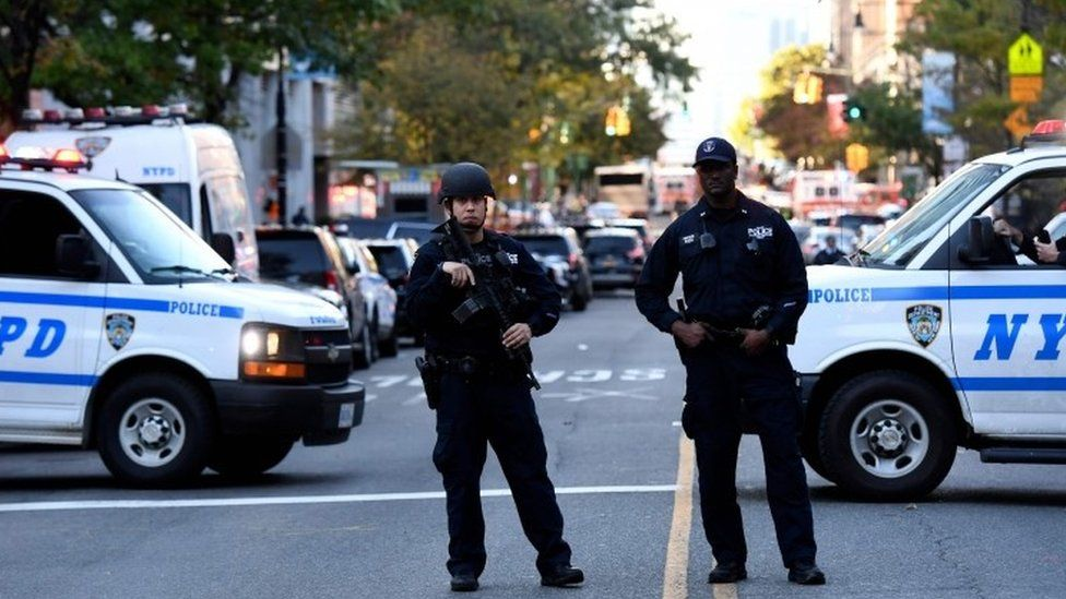 US police secure the area in Lower Manhattan