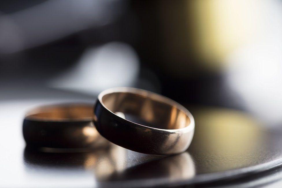 """Qu'y a-t-il derrière """"le jour du divorce"""" ?"""