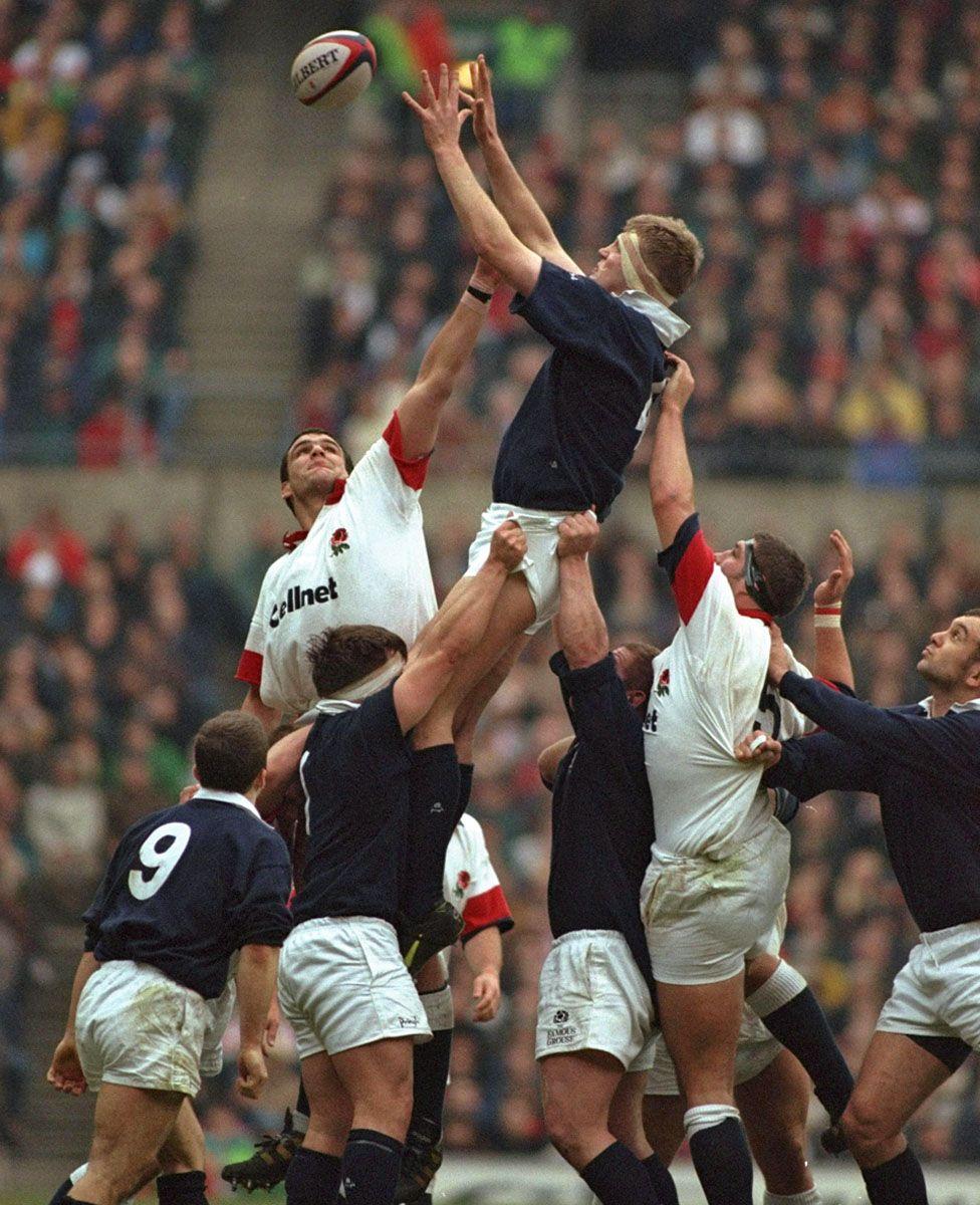 Doddie Weir playing for Scotland